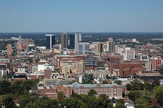 برمینگهم، بزرگترین شهر و منطقهٔ شهری در آلاباما