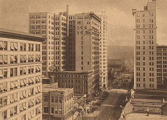 آسمانخراشهای در حال گسترش در سال ۱۹۱۵ (۱۲۹۴)