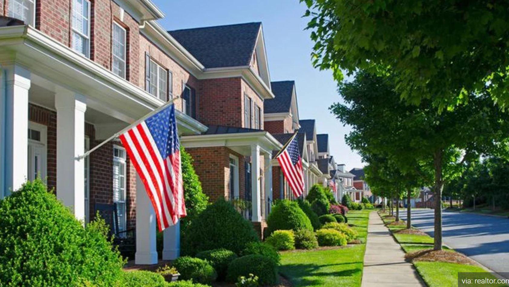 پرچم های همه جا هستند