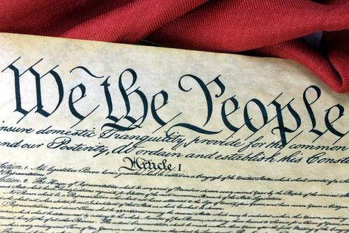 اولین-نسخه-ی-قانون-اساسی-آمریکا
