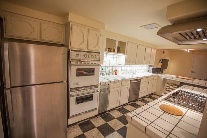 آشپزخانه-ی-مشترک-واقع-در-PodShare-شعبه-ی-سان-فرانسیسکو