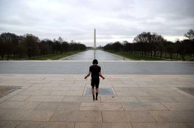 نمایی-از-یادبودِ-آبراهام-لینکلن-از-منظرِ-پارکِ-نشنال-مال،-واشینگتن-دی.سی